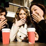 スタバで悪口を言う3人の女性に取った行動が絶賛されています。