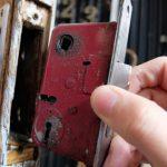 錠・錠前の耐久年数・耐応年数は10年、電気錠が7年と、日本ロック工業会(JLMA)