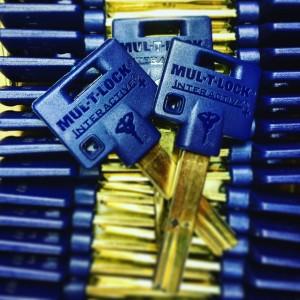 鍵(合鍵)に鍵番号のない鍵穴(シリンダー)・マルティロック・マルチロック・新カギ・俺の合鍵