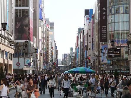東京都中央区銀座の歩行者天国。合鍵作成・合鍵制作・スペアキー作成・ディンプルキー作成・新カギ作成するなら、全国配送料無料、24時間ネット注文の俺の合鍵。値段・価格・金額・も店舗と変わらない。